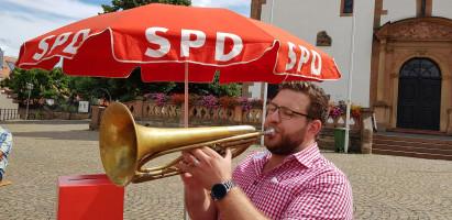 Tobias Wüst findet auch mit der Tuba den richtigen Ton
