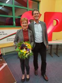 Mit 93 Prozent wurde Anita Peffgen-Dreikorn als Kreisvorsitzende im Amt bestätigt