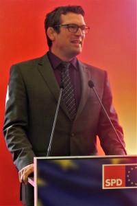 Bürgermeister Felix Wissel freute sich über die angereisten SPD-Mitglieder und lud sie zu weiteren Besuchen ins schöne Mömbris ein