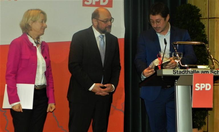 Landtagsabgeordnete Martina Fehlner, Festredner Martin Schulz und der Stadtverbandsvorsitzende Manuel Michniok