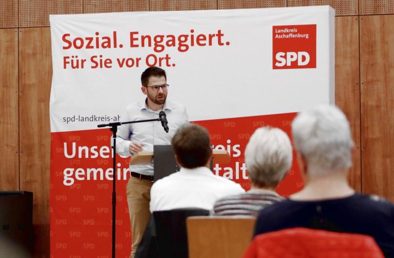 Fraktionsvorsitzender Simon Dümig beim Kreisparteitag am 02.10.2020 (Foto: Roland Leitz)