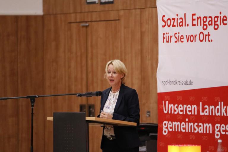Martina Fehlner beim Kreisparteitag am 02.10.2020 (Foto: Roland Leitz)