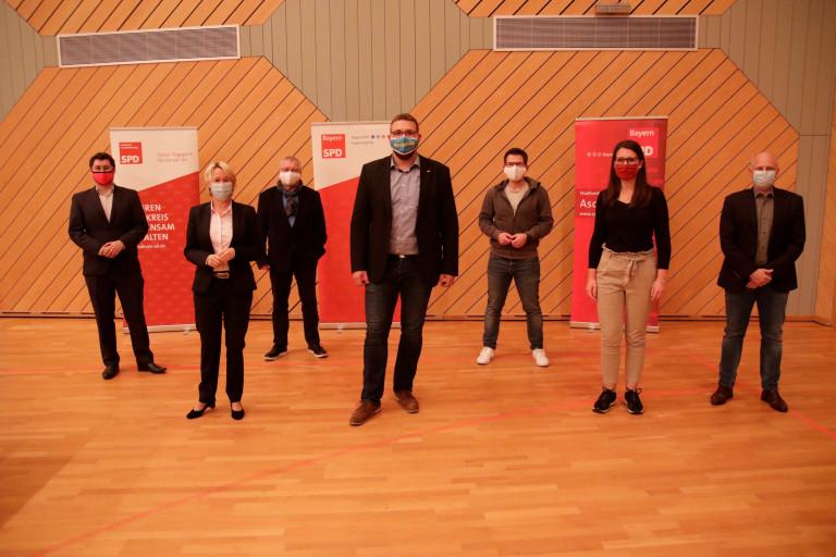Der Vorstand des SPD Unterbezirk Aschaffenburg zusammen mit Bundestagskandidat Tobias Wüst (Foto: Roland Leitz)
